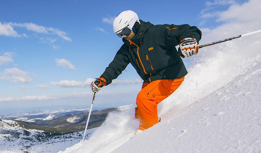 aa1d658862 Top 14 Ski Essentials