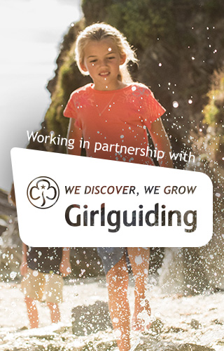 Girl Guiding - Girls Kayaking
